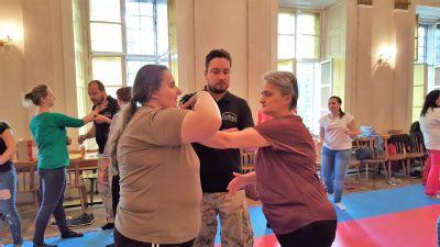 Levočskí zdravotníci si vyskúšali kurz sebaobrany