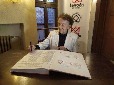 Svedectvo o ľudskosti, profesionalite a obetavosti, Levočská nemocnica ocenila svojich najlepších zamestnancov.