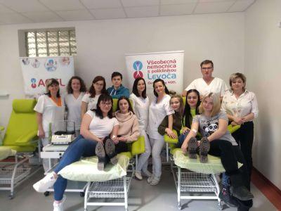Budúci pedagógovia prišli darovať krv