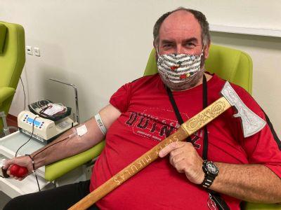 Vďaka bariatrickej operácii v Levoči  schudol takmer 100kg a prišiel sa poďakovať darovaním krvi
