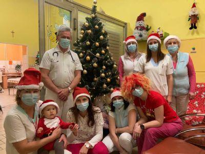 Na detskom oddelení v levočskej nemocnici už vládne vianočná atmosféra